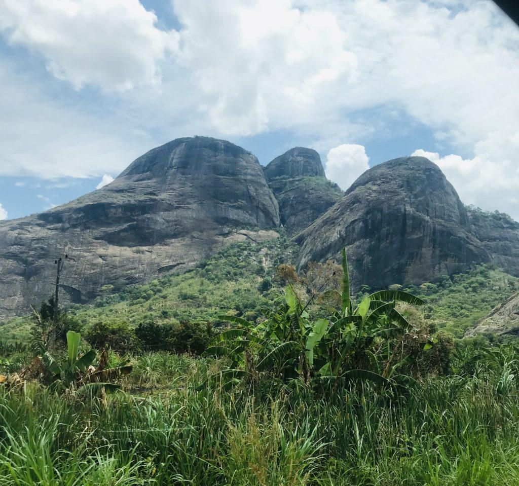 Runde Berge bei Nampula