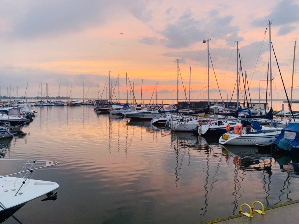 Boote in Marina Kamien Pomorski - unser Hausboot Urlaub in Polen