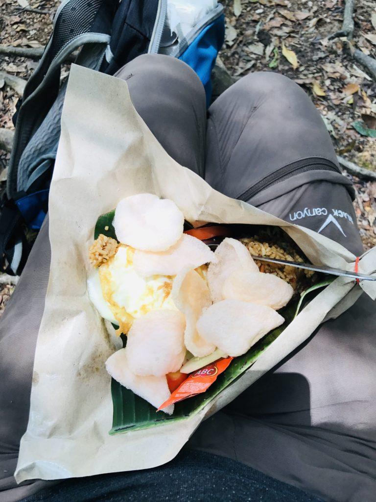 Mittagessen Paket auf dem Dschungeltrek in Gunung Leuser Nationalpark