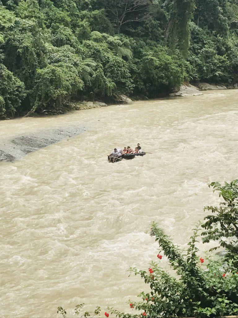 Tube Rafting auf dem Bohorok Fluss