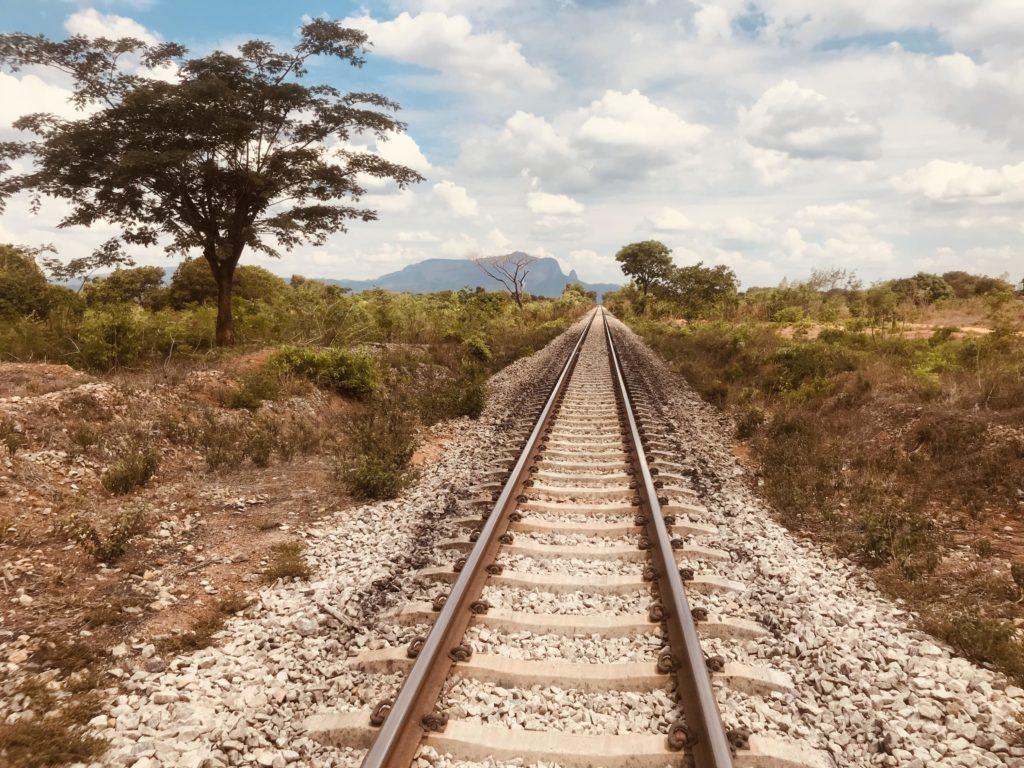 Gleise von Nampula in Richtung Cuamba