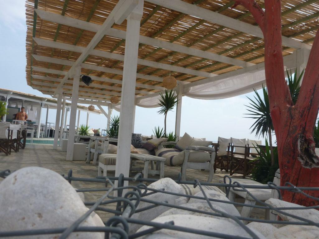 Strandlounge von Drymades Hotel & Bungalow