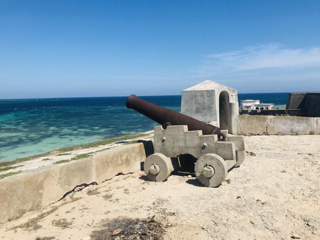 Alte Kanone auf Fort São Sebastião auf Ilha de Moçambique