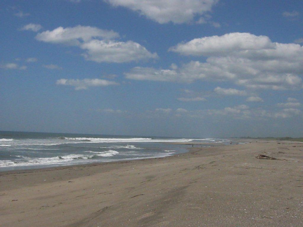 Pazifikstrand in der Nähe von Leon, Nicaragua